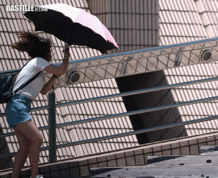 南海或雙旋共舞趨華南 天文台:周二三驟雨增多