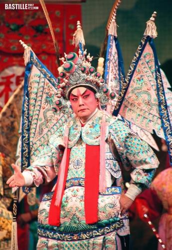 太太中風康復陪出席簽名會    阮兆輝出書傳授戲曲藝術