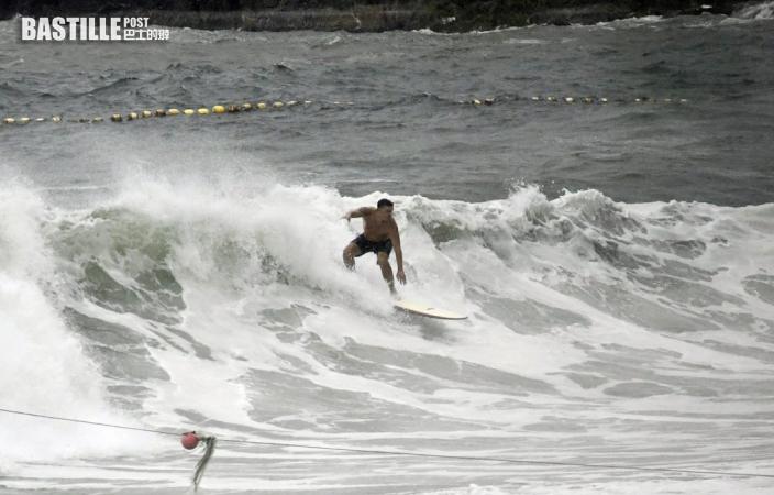 低壓區發展多個泳灘掛紅旗 氣象組織籲市民留意天氣
