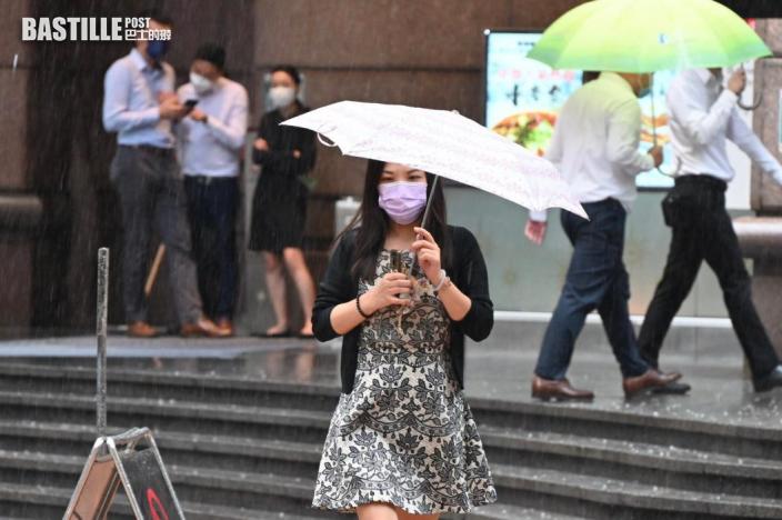 外圍雨帶影響 本港有驟雨及狂風雷暴