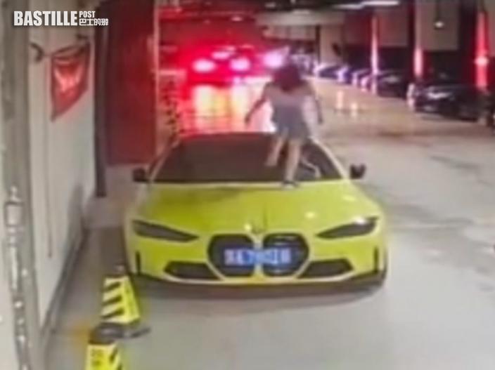 南京頑童踩碎男房車車頭玻璃 家長拒賠反斥與小孩計較