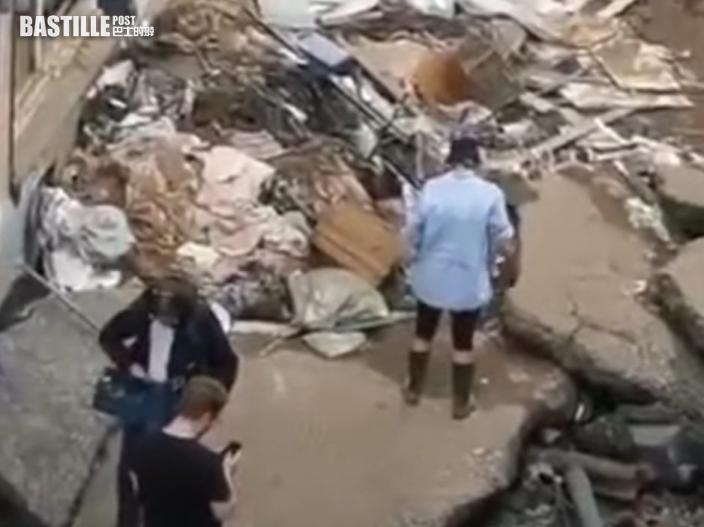德國女記者採訪水災災情前故意塗泥 涉事電視台道歉
