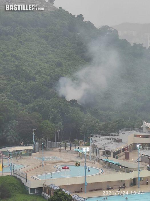 柴灣山邊寺廟起火 濃煙沖天