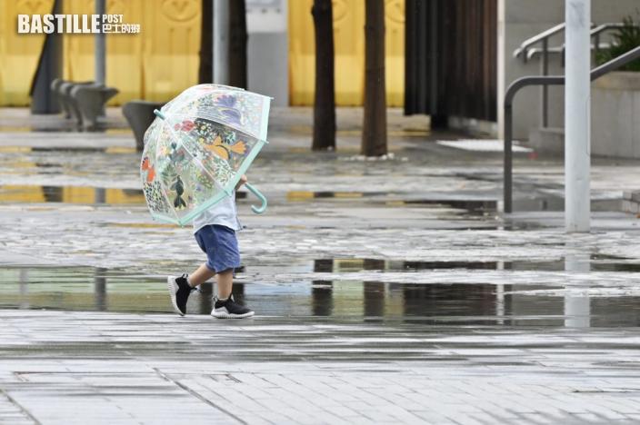 黃色暴雨警告信號現正生效
