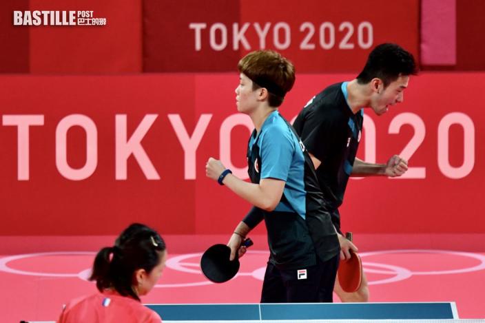 【東京奧運】對手「觸網」發球搶最後一分 爭議聲中落敗黃鎮廷感遺憾
