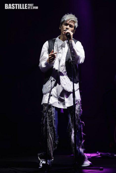 兩度對愛妻發表愛的宣言 林奕匡演唱會甜到漏作結