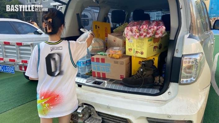 剛獲救便投身救援 鄭州女大學生駕車運送物資