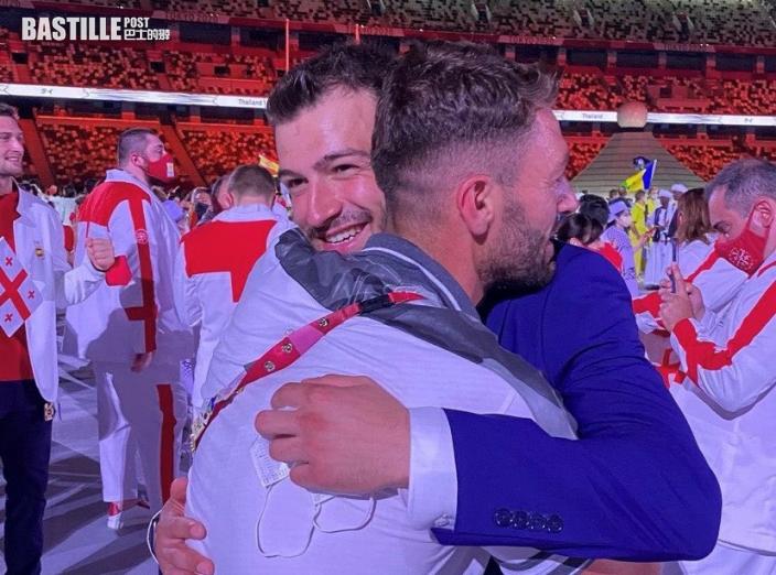 【東京奧運】分別代表敘利亞及難民隊出賽 兩兄弟開幕式激動擁抱