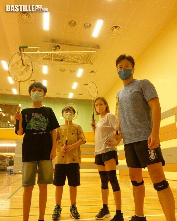 打羽毛球享親子樂 區永權鼓勵兩子接棒「鄧謝配」