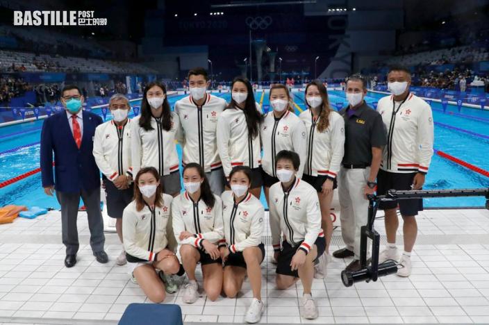 【東奧游泳】泳隊重返奧運泳館大合照 何詩蓓比索合影