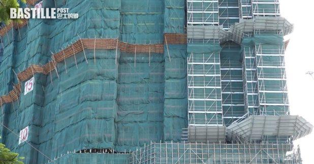 「柏傲莊第3期」的第1座及第8座,牆身底座部分混凝土強度未達標。(施華駿攝)