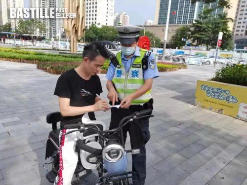 電動車管理規定實施首日,深圳交警開出敬告單1300宗