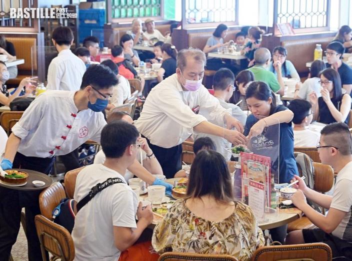 社交距離措施延長兩周 B類食肆員工收緊至7日一檢