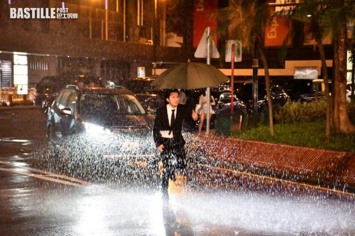 【獨家】生日開工難忘被車撞 何廣沛濕身奪蔣家旻第一次