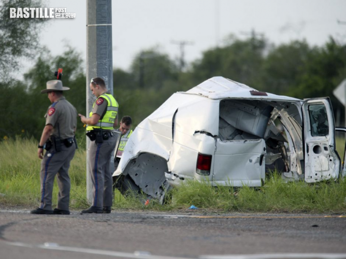 美國德州疑超載非法移民客貨車超速致車禍 至少11人死亡