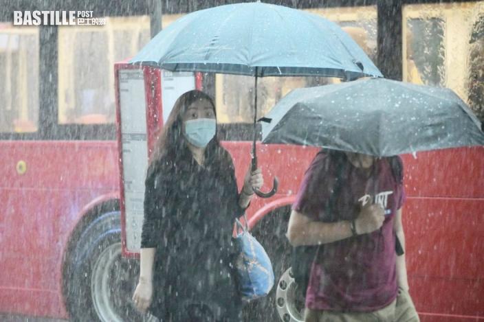 出門帶遮|珠江口雷雨區正向東移動 未來一兩小時影響本港