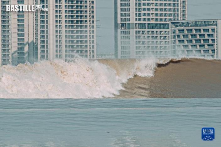 這是9月23日在杭州拍攝的錢塘江潮水。圖:新華社