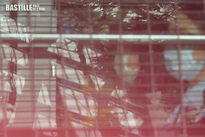 支聯會鄒幸彤等5人拒交資料涉違反國安法案 官拒押後下午續審
