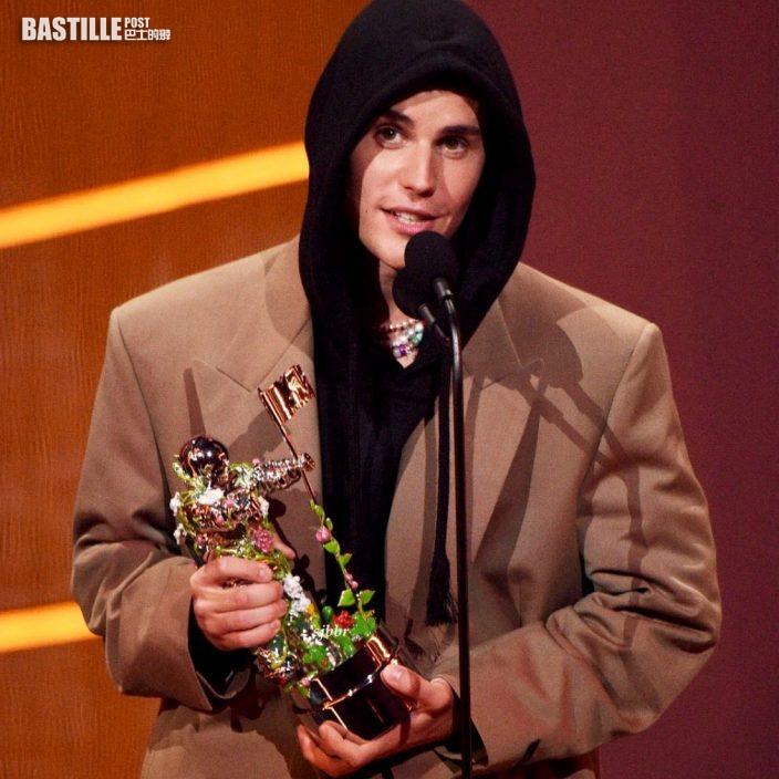 麥當娜谷巨胸晒巨Pat打頭陣     Justin Bieber奪大獎台上冧爆老婆