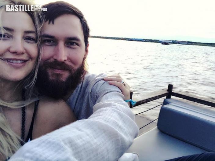 【恭喜】晒鑽戒報喜訊  姬赫遜與音樂人男友宣布訂婚