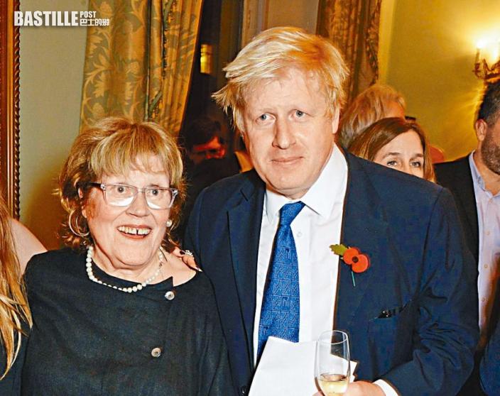 約翰遜母離世 享年79歲