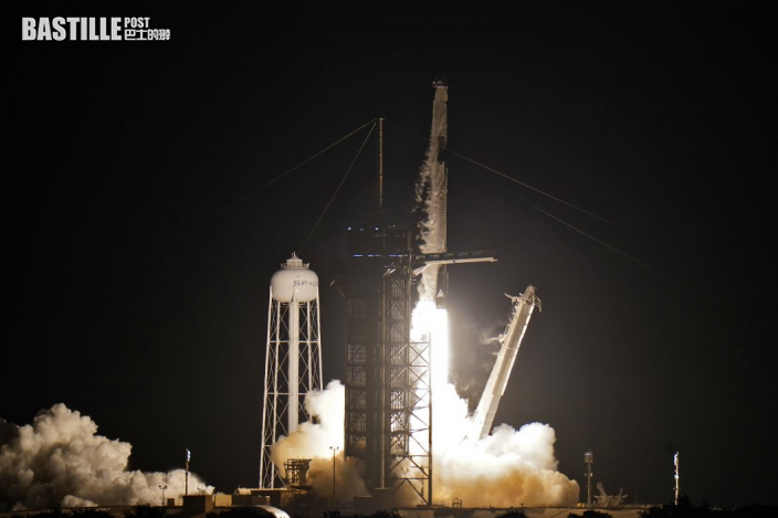 SpaceX首次送四名旅客進上太空 未來3天將環繞地球飛行