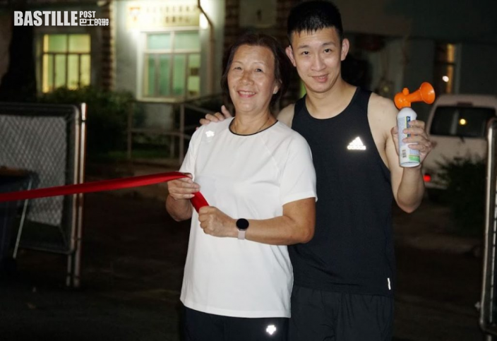 吳君如新戲票房衝破2400萬跑步慶功 蘇樺偉任教練落場指導