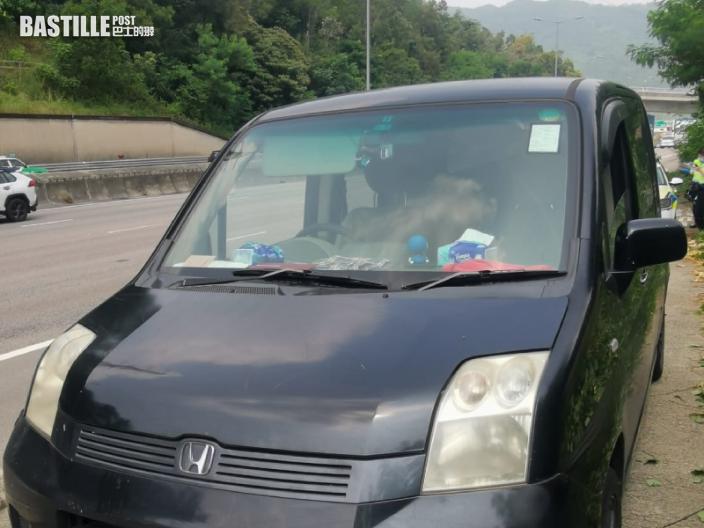 吐露港公路男司機被捕 涉藥駕及行車證過期
