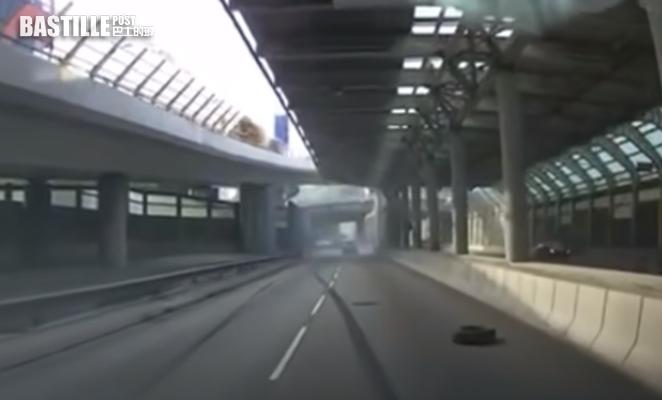 車cam直擊 屯門公路泥頭車爬頭切線 猛撞客貨車兩人受傷