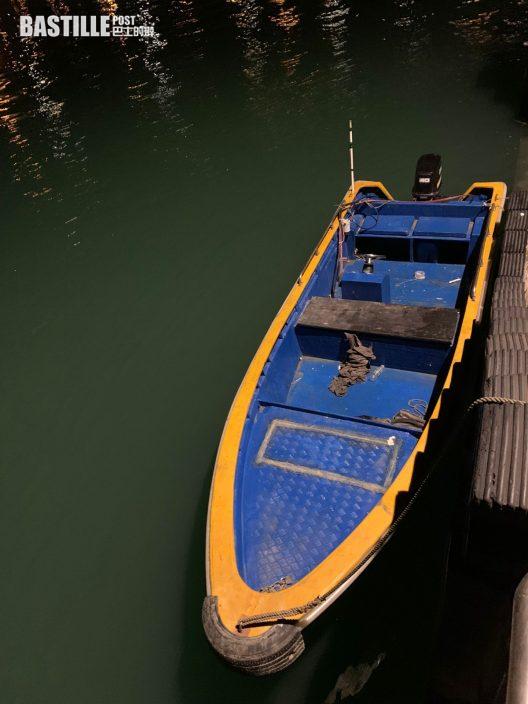 水警白泥截非法入境走私艇 2男被捕撿29萬貨