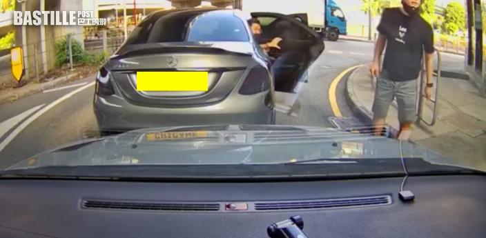 車cam直擊|斑馬線爬頭直衝險撞母女 司機惡人先告狀爆粗惹議