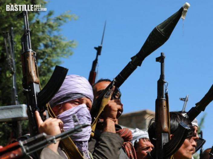 傳塔利班擊斃綁架犯後 起重機吊起遺體示眾
