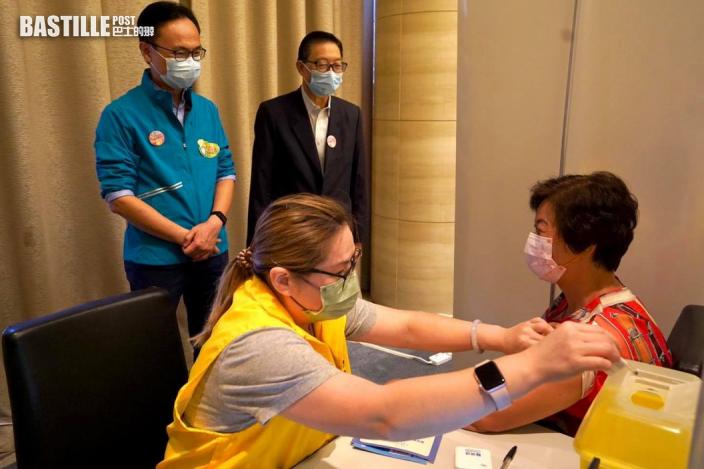 疫苗外展隊首次到馬鞍山屋苑為約百位居民打針
