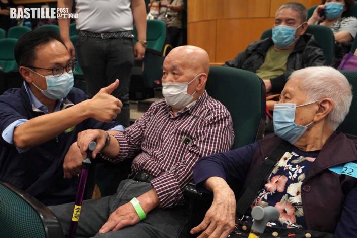 近140位長者參加東區疫苗接種日