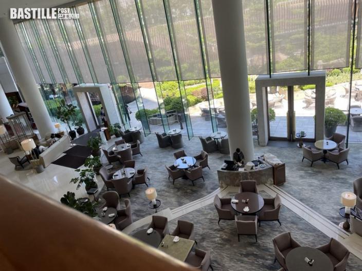 新聞追擊|隔離酒店封閉區和宴會廳 入口僅用索帶劃分