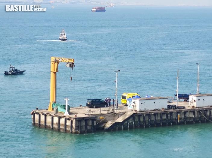水警截走私艇翻船 大嶼山二澳發現浮屍 疑為失蹤女警遺體