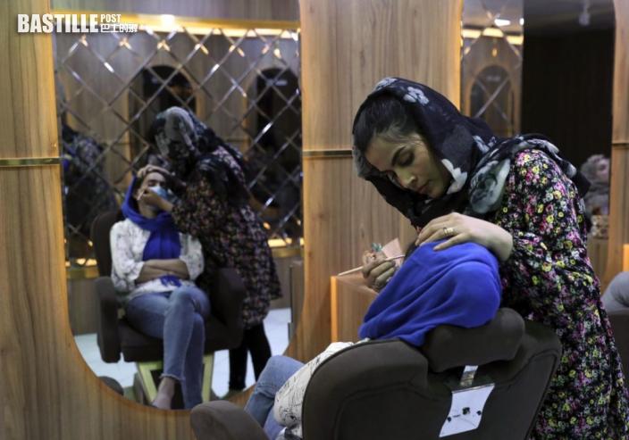 塔利班再下禁令 阿富汗理髮廳不准為客剃鬍及放音樂