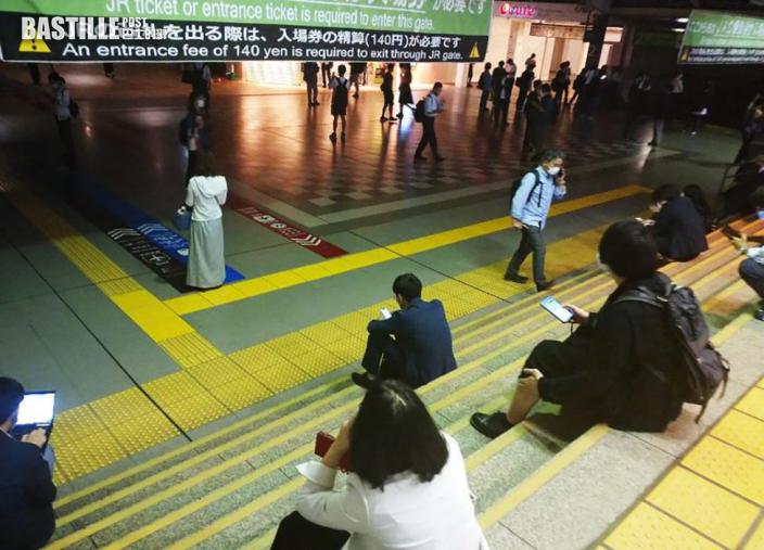 日本千葉縣地震增至32人受傷 一列電車出軌