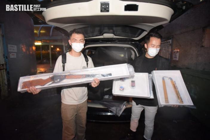 警檢P80自動手槍及子彈 夫婦涉無牌管有火器或槍械被捕