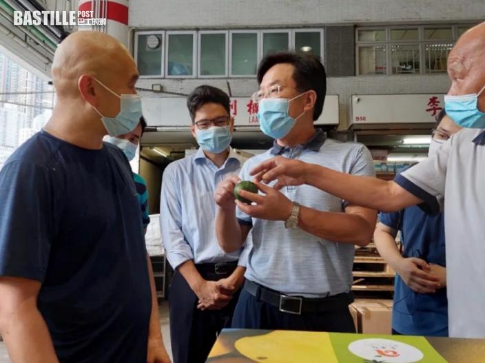 中聯辦秘書長王松苗等12人訪街市商販 籲提升疫苗接種率