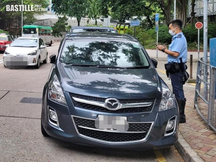 警東九龍打擊違泊 發834張牛肉乾及票控5輛車